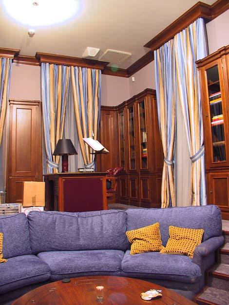 Кабинеты / Библиотеки. Частный интерьер. Встроенные интерьеры кабинетов, библиотек, гостиных, спален, кухонь. (фотогалерея компании «Русский Двор»)