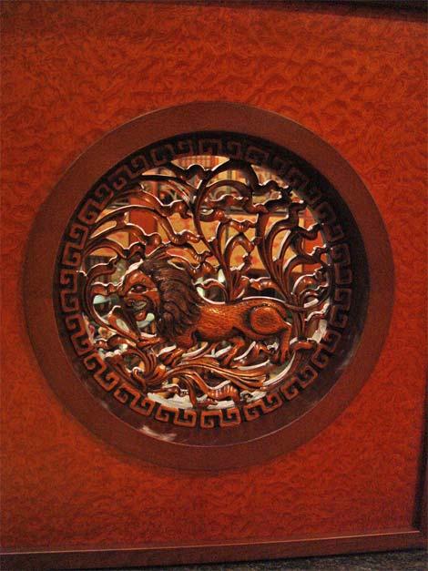 Интерьер казино «Азия». Натуральные, изысканные сорта дерева. Высококачественные, экологически чистые материалы. (фотогалерея компании «Русский Двор»)
